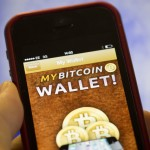 Bitcoin Boom Spreads to IPhones With Mobile-Payment Apps